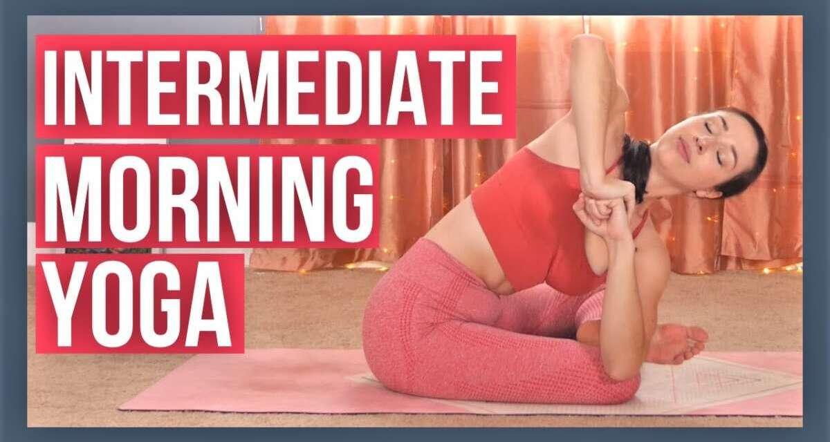 30 Min Morning Yoga Flow – Intermediate Full Body Vinyasa (with Luna!)
