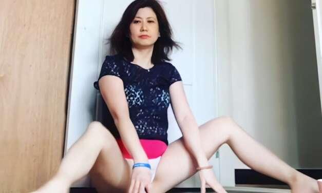 Hot Yoga Beautiful Movement Splits Stretch Legs Practice Day 4